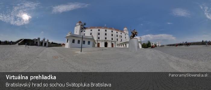 Bratislavský hrad so sochou Svätopluka Bratislava