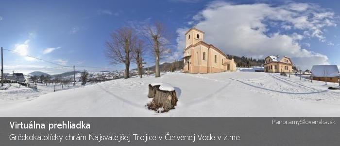 Gréckokatolícky chrám Najsvätejšej Trojice v Červenej Vode v zime