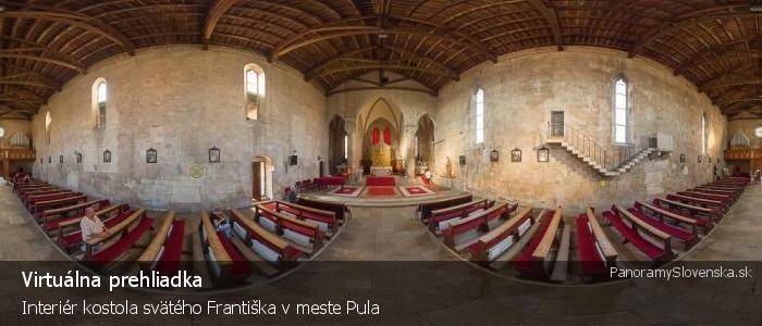 Interiér kostola svätého Františka v meste Pula