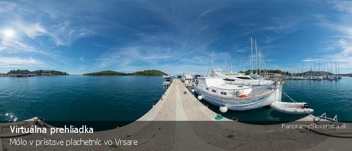 Mólo v prístave plachetníc vo Vrsare
