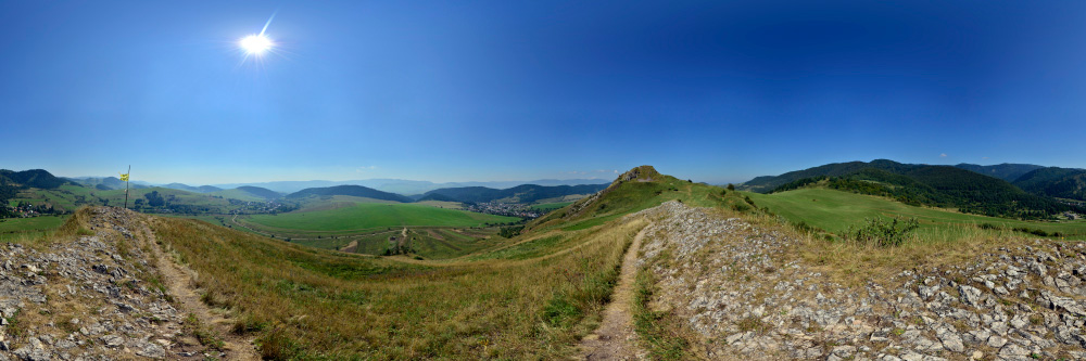 http://www.panoramyslovenska.sk/Panorama/Kamenicky-hrad-vychodny-vrch.html
