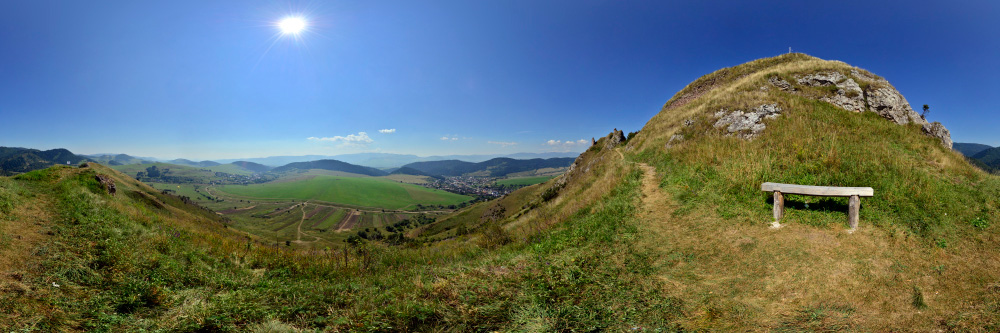 http://www.panoramyslovenska.sk/Panorama/Kamenicky-hrad-pod-palacom.html